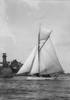 "Gaff Cutter ""Halcyon"" as ""Mamie"" - Post War"